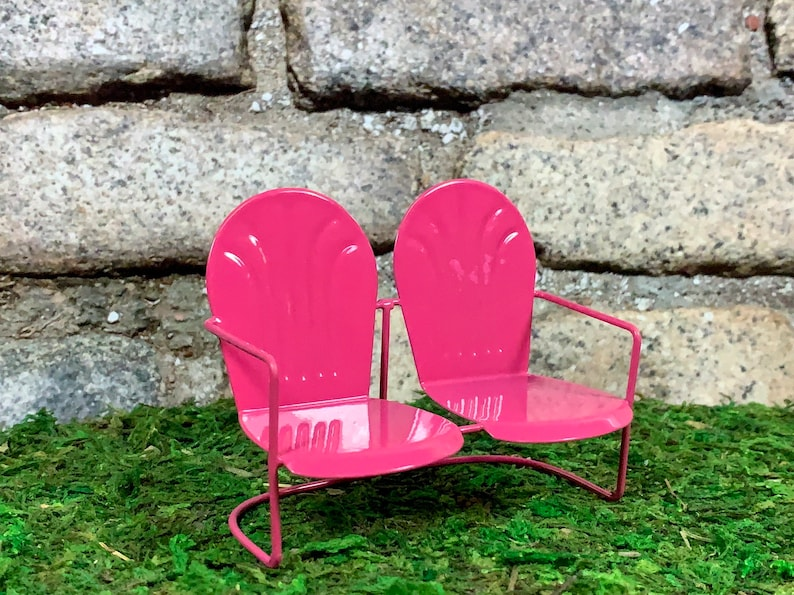 Strange Retro Pink Metal Love Seat Bench Loveseat For The Discrete Fairy Garden Miniature Garden Dollhouse Furniture Fairy Garden Accessories Andrewgaddart Wooden Chair Designs For Living Room Andrewgaddartcom