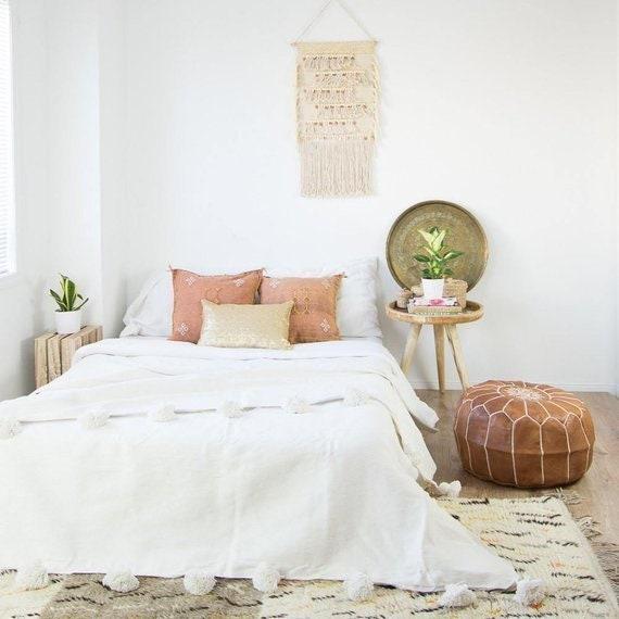 White Moroccan POM POM throw and blanket,bohemian decor bedcover, blanket  sofa, pom pom blanket ,HANDWOVEN pom pom blankets