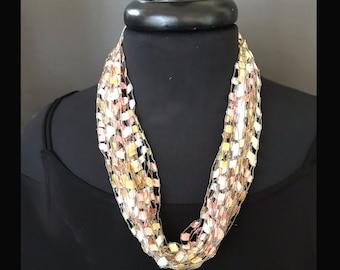 Lightweight Ribbon Necklace