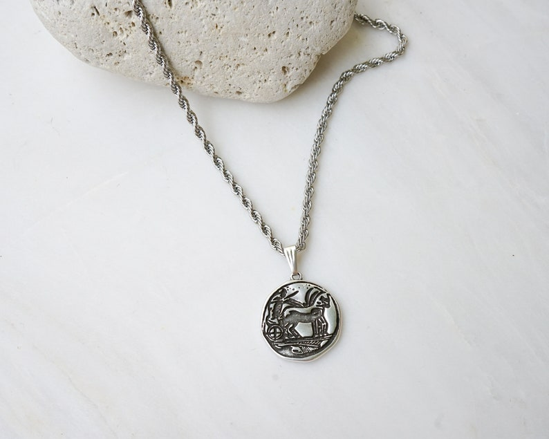 layered stacking boho dainty Stainless Steel Chain vintage Chain Silver Antique Ancient stamp motif pendant wt Twist Belcher chain necklace