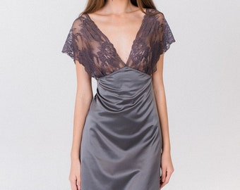 Vintage 60s Bali Silky Satin Lacy Full-Slip Dress 34 S Grey Beige Floral Lace Sweetheart Romantic Retro Boudoir Feminine Lingerie Glam Garb