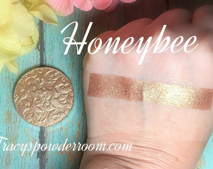 Honeybee Pressed pigment, eyeshadow, Highlighter, brown, vegan, cruelty free, magnetic
