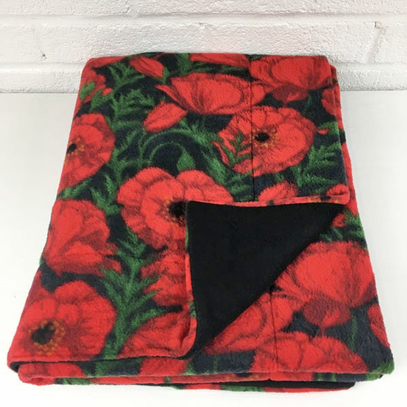Cozy and Clean C/&C 2x5 Absorbent Fleece Cage Liner Rabbit Piggy Blanket Hedgehog Red Poppies on Black Guinea Pig Absorbent Layer