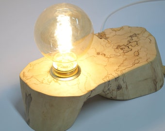 Wooden lamp with exceptional structure, bulb included