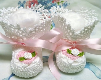 f6fd709aaed Baby Girl White Thread Picot Ruffle Booties Heart with White Roses 0-3 Mo