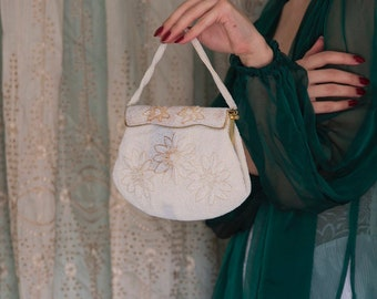 Vintage 50s / 60s white beaded evening antique bag