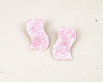 Unique, minimalist shape polymer clay earring with a hand-painted soft abstract pattern // Collection: Ebb & Flow