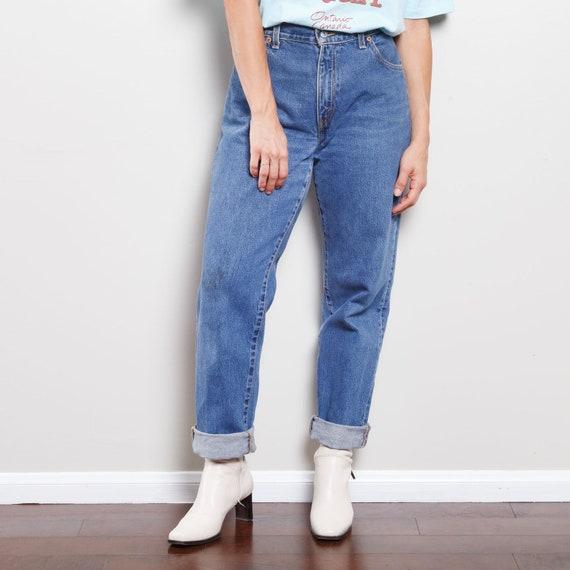 550 Dark Wash Levi's Jeans - image 2