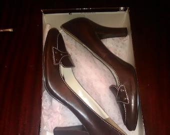 f0740e0ae705 Brand New bandolino pumps size 8 1 2