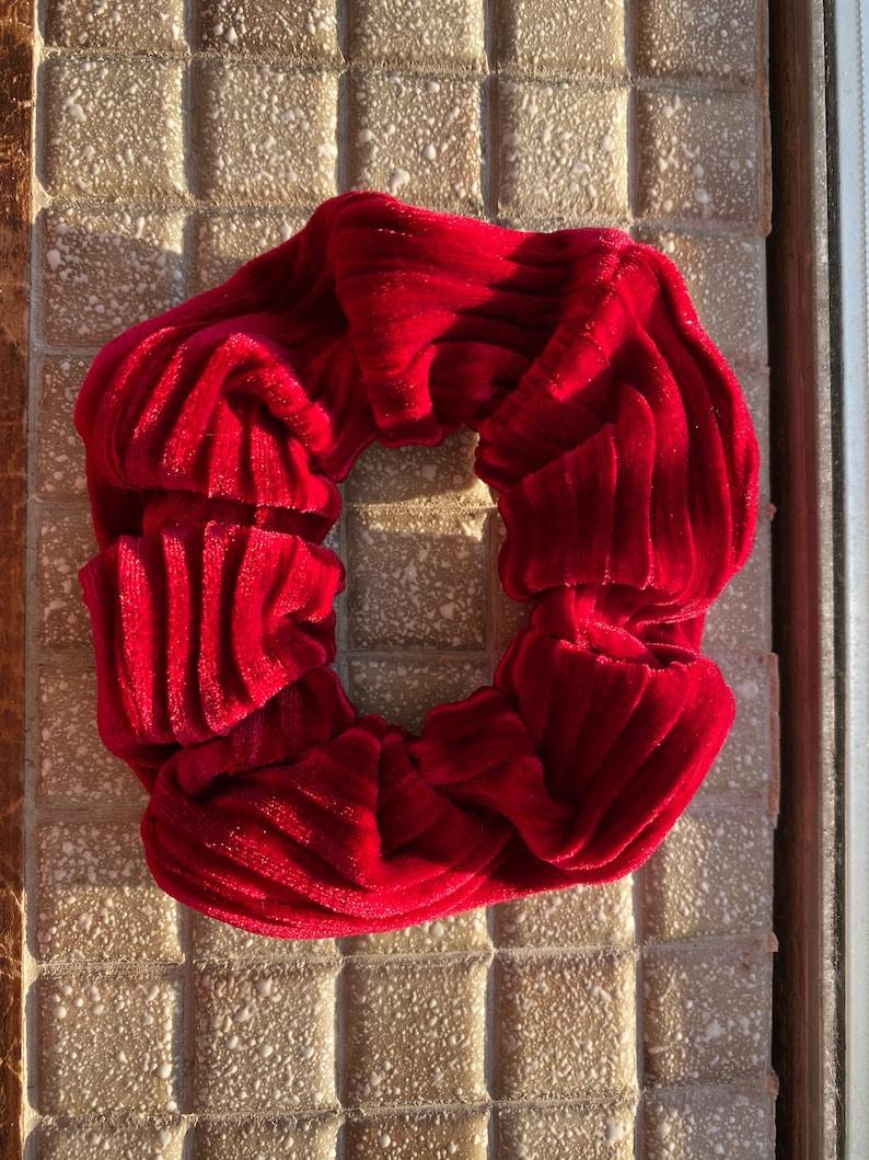 Velvet Ripple Scrunchie in Crimson