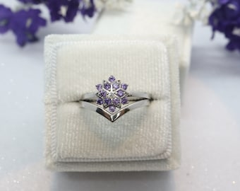 Snowflake purple CZ ring set, Chevron ring, Curved wedding band, Sterling silver ring, Anniversary ring
