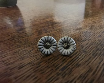 8a905c742 Beautiful Vintage Georg Jensen Earrings | Daisy Design with White Enamel |  925 Silver | Good condition