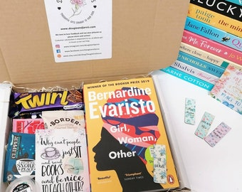 Book lover gift box. Reading gift. Book subscription. Girl, woman, other.