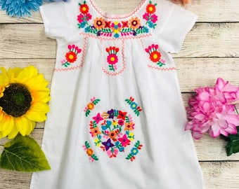 d9b73281cbb Unik Traditional Embroidered Mexican Dress for Little Girls Size 2-14 Cinco  de Mayo Festival Birthday