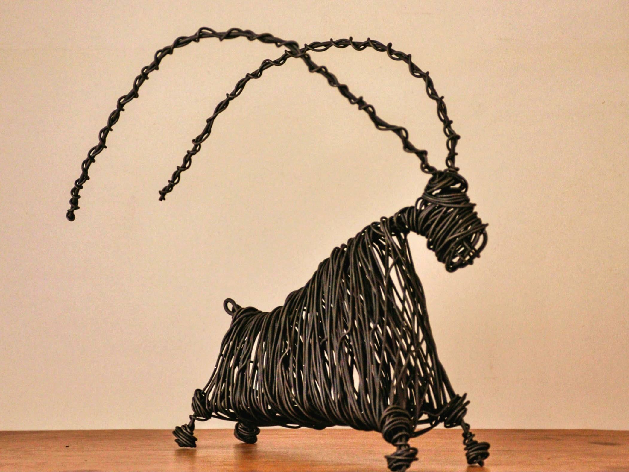 Statue : sculpture ,bronze (horse ,bear ,sculpture) ,figurine