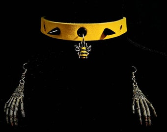 Busy Bee Spiked Choker