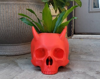 Large Horned Skull Planter || goth gothic garden accessories gardening pot makeup brush holder human skull witch devil || 3D Print