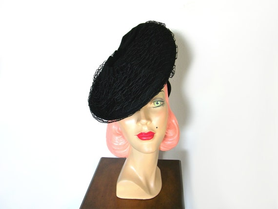 Vintage 1940's Black Asymmetrical Tilt Hat~ - image 2