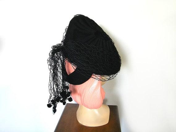 Vintage 1940's Black Asymmetrical Tilt Hat~ - image 3