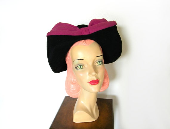 Vintage 1940's Black-off the-Face Hat w/Magenta Bo
