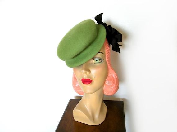 Vintage 1940's Sage Green Tilt Hat~
