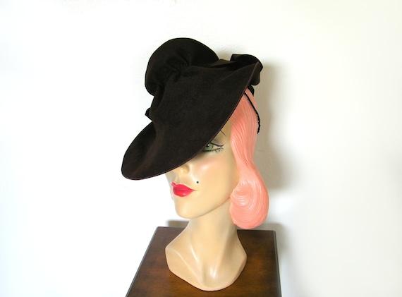 Vintage 1940's Dark Brown Tilt Hat ~