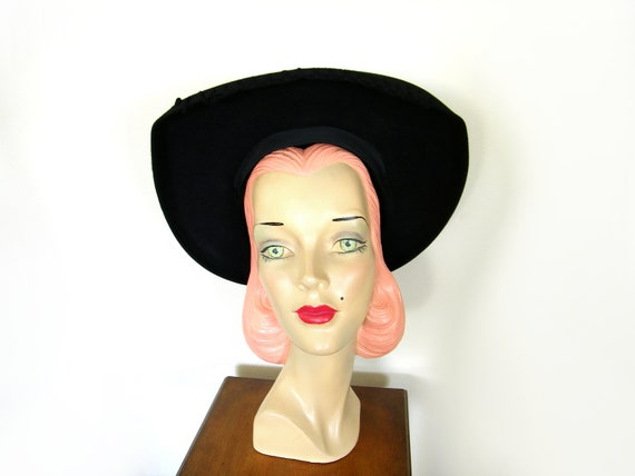 Vintage 1940's Black Halo Hat ~