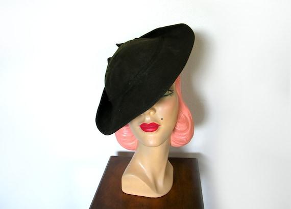 Vintage 1930's Moss Green Tilt Hat ~