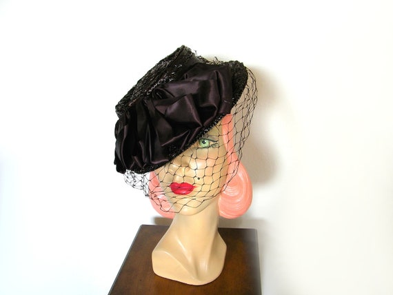Vintage 1940's Chocolate Brown Straw Tilt Hat ~