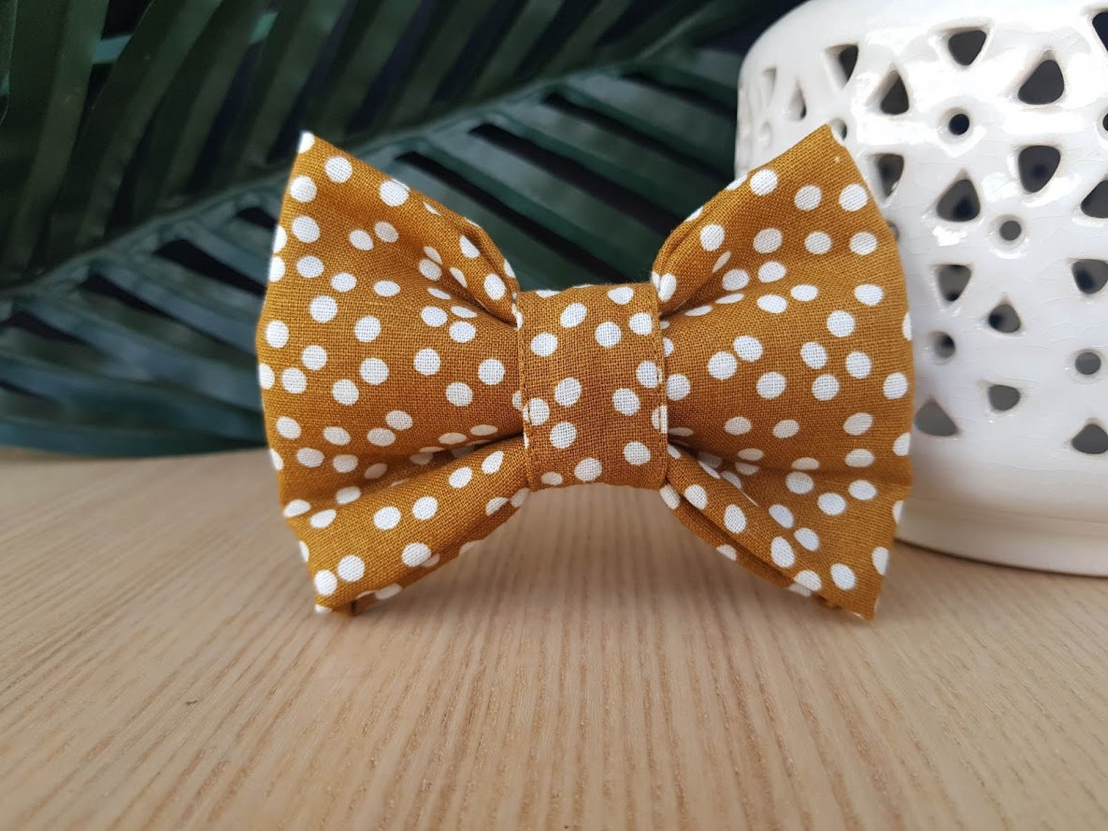 Dog bow tie in mustard colour with dogs