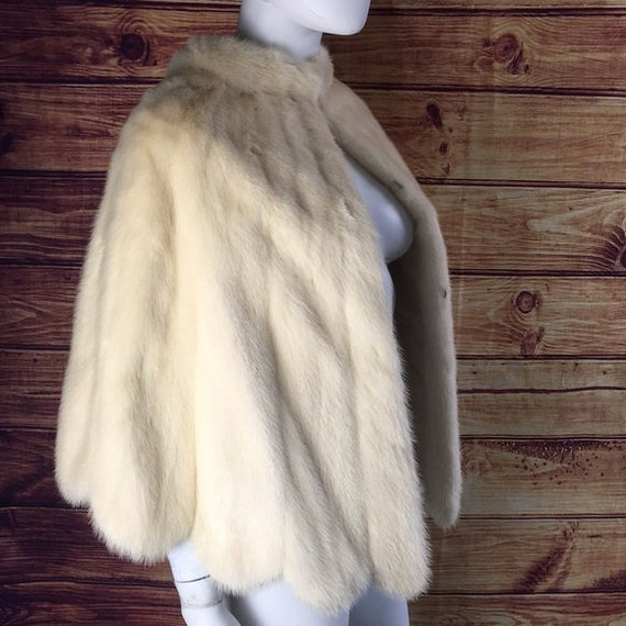 Vintage White Mink Fur Scallop Cape