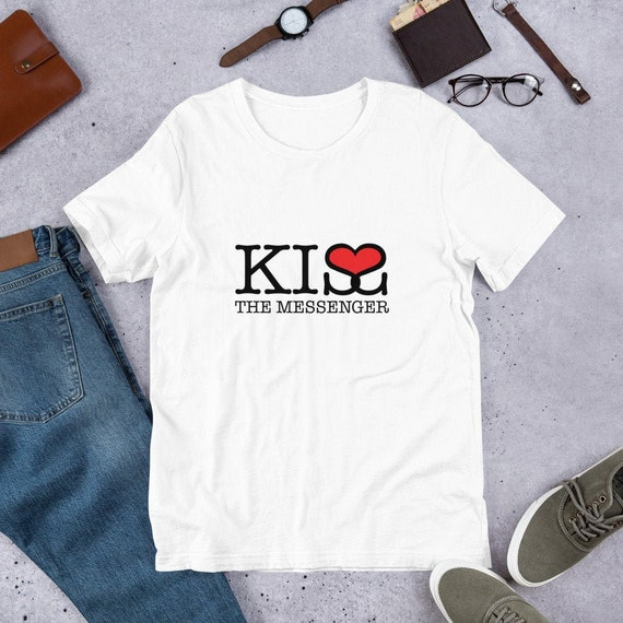 Cute Love Shirt Funny Love Quotes Kiss The Messenger Cute Funny Love Quotes Kissing Shirt Kisses Shirt