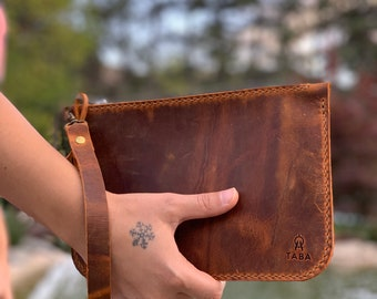 Hand-tooled Premium Quality Leather Wallet  Grizzly Bear tooled Hand-sewn bi-fold Cognac Wallet  Hand-stitched Vegetable Tanned Leather