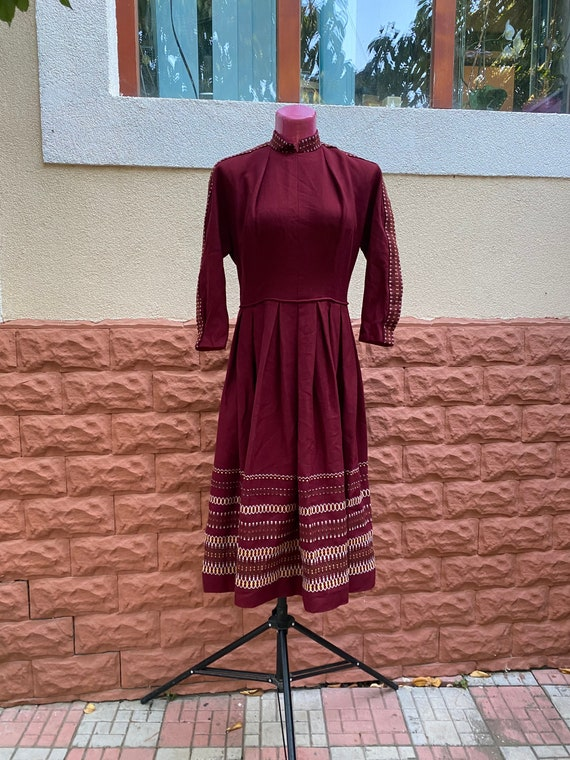 Dress: pure wool red winter thick hand sewn 70s Vi