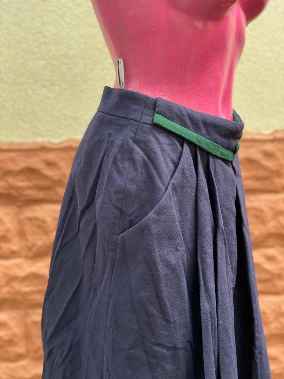 Skirt: pure wool midi vintage Skirt, made in Aust… - image 2