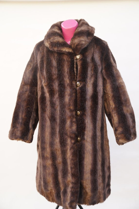 Coat. Fur: Ecological, fake fur