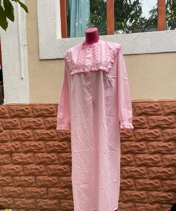 Night Gown: long vintage cotton XL night gown