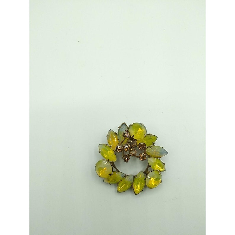 Vintage Dimensional Yellow Givre Crystal Brooch Glowing Wreath with Topaz Rhinestone Berries Swedgie Design Autumn Givre Glass