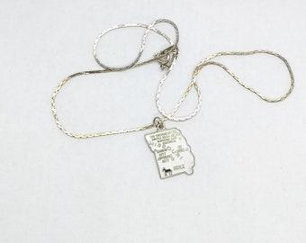 Missouri US State Vintage Charm Enamel Pendant Necklace Souvenir Mule Cloisonne