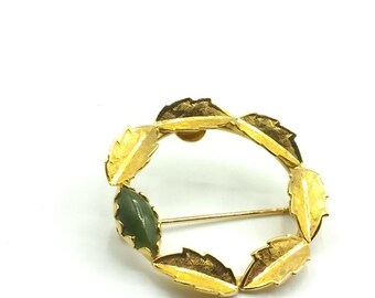 Vintage KARATCLAD By BELL Wreath Brooch Gold Plated Marquis Jade Stone Gold Leaves, Signed 1950s