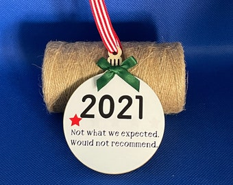 7cm Covid 2021 lockdown trip advisor tree decoration, would not recommend, rubbish review, funny ornaments, funny xmas gifts wooden bauble