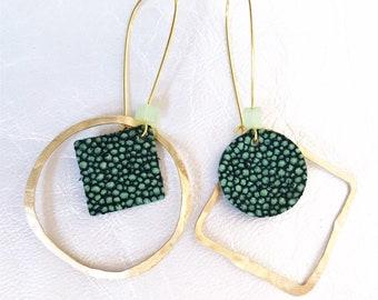 ef2edc28f76 Aretes de oro verdes | Etsy