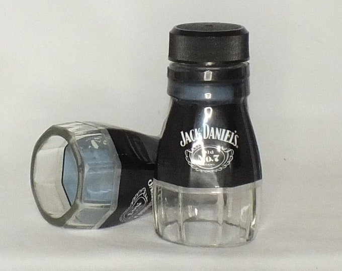 Jack Daniels Tennessee Whiskey Empty Cut Liquor Bottle Shot Glasses -  Top Glass - Mother's & Father's Day Whiskey Gift