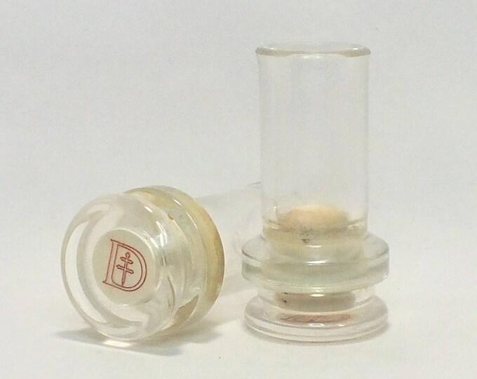 D'USSE Shot Glasses (1) - Cognac VSOP - Very Special Cognac - Empty Cut Liquor Bottle - Top Glass - Gift - Collectible