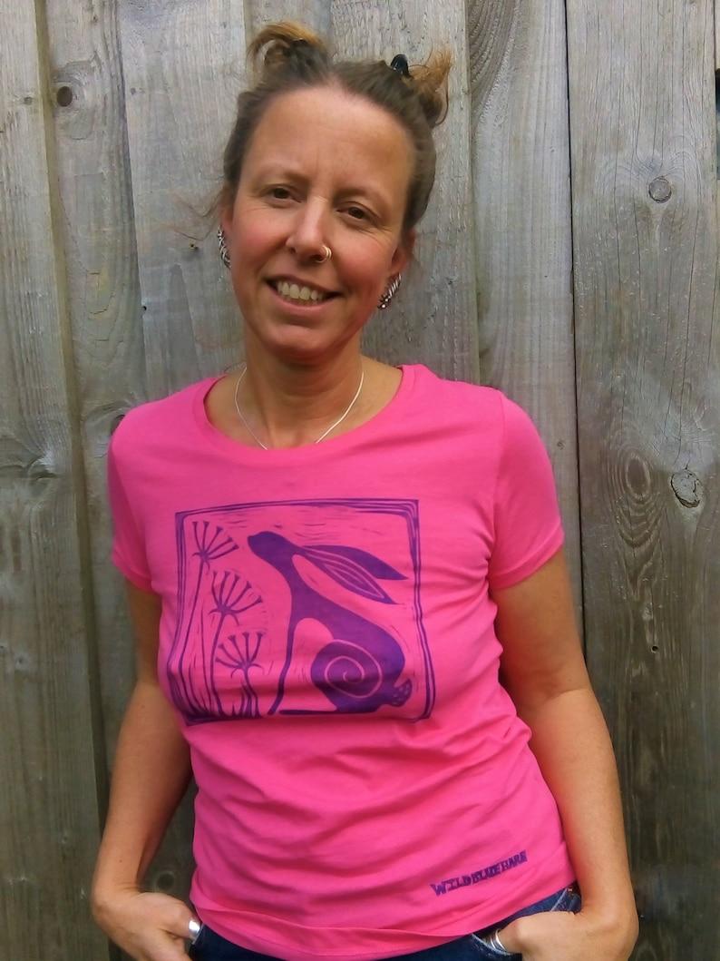 Organic Lino Print. Women/'s Medium Wild Blue Hare T-Shirt Hand Printed