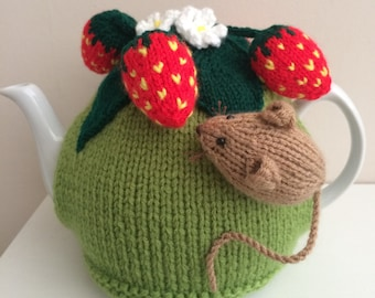 MOUSE TEA COSY//COSIE DK KNITTING  PATTERN   COLOUR PRINTED ON HEAVY PAPER