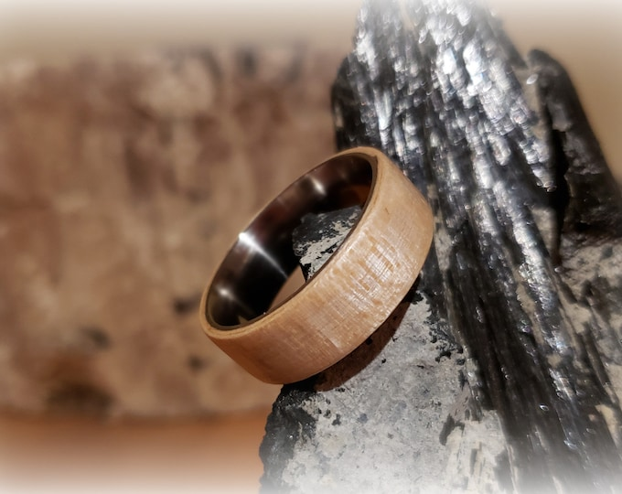 Bentwood Ring - Figured Sycamore - Size 11.5 on 8mm titanium ring core