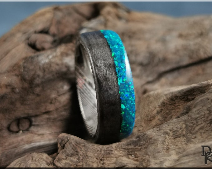 Bentwood Ring - Graphite Grey Birdseye Maple w/Live Edge Peacock Blue Opal inlay, on Damascus Steel ring core - Wood Ring
