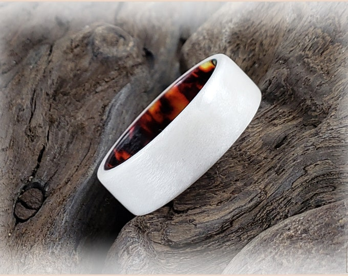 Bentwood Ring - Ice White Birdseye Maple on Root Beer Celluloid core