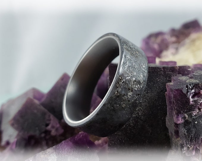 Bentwood Ring - Genuine Slate on titanium ring core